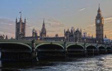 Obowiązkowa nauka języka angielskiego dla imigrantów? Tego chcą parlamentarzyści