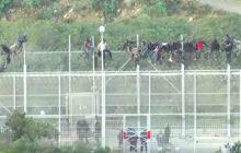 Szturm imigrantów na Hiszpanię. Dziesiątki rannych [WIDEO]