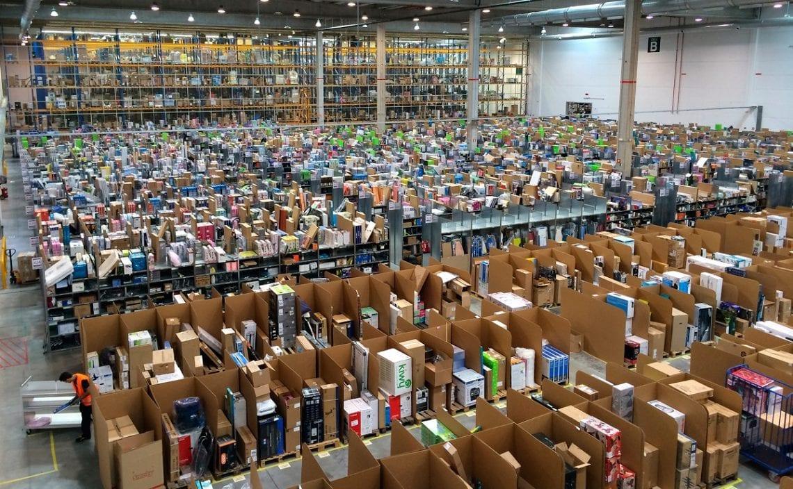 Amazon, Centrum logistyczne