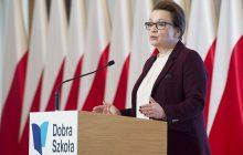 Minister Edukacji zapowiada 5 tysięcy nowych miejsc pracy. Podstawa programowa bez Lecha Wałęsy?