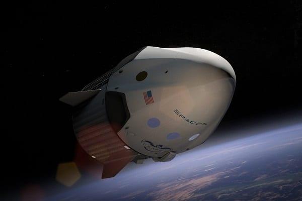 SpaceX sprzedała pierwsze bilety na podróż dookoła księżyca!