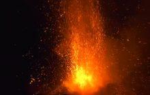 Etna znów się budzi. Spektakularna erupcja [WIDEO]