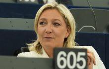 Chcieli, by Le Pen nałożyła chustę przed spotkaniem z wielkim muftim. Odmówiła i odjechała
