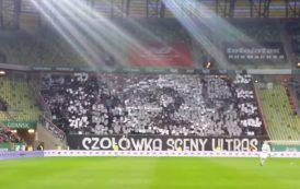 Imponująca oprawa kibiców Legii Warszawa podczas meczu z Lechią Gdańsk. Zaprezentowali wyjątkową kartoniadę! [WIDEO]