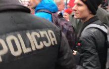 Poseł PO zwyzywany na manifestacji poparcia dla PiS. Opublikował nagranie.