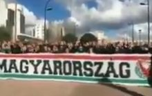 Wspaniały dowód przyjaźni dwóch narodów. Węgierscy kibice pozdrawiają Polaków przed meczem w Lizbonie! [WIDEO]