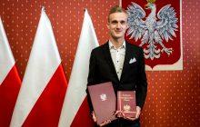 Bramkarz Lecha Poznań z polskim obywatelstwem.