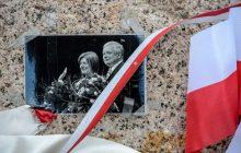 Kraków: Prezydent Duda na grobie Lecha i Marii Kaczyńskich