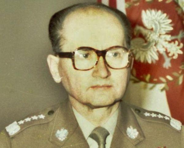 Każdy może zobaczyć jak komuniści fałszowali historię o zbrodni katyńskiej. Archiwum publikuje dokument