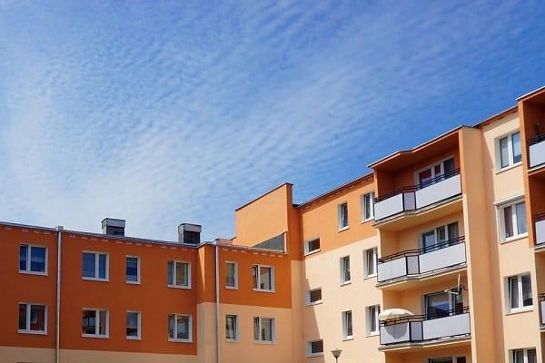 Mimo że ceny mieszkań rosną, Polacy coraz częściej kupują na rynku pierwotnym