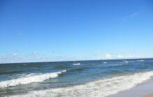 Zachodniopomorskie: Morze wyrzuciło na brzeg zwłoki. Znalazł je spacerowicz