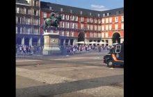 LM: Znów głośno o angielskich pseudokibicach! Fani Leicester starli się z policją i dokonali w Madrycie prawdziwej demolki [WIDEO]