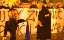 Piotr R., który spalił kukłę Żyda na wrocławskim Rynku, skazany na trzy miesiące więzienia!