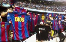 Kapitalna akcja kibiców Barcelony! Naśladując zachowanie Messiego, oddali mu hołd [FOTO]