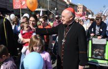 Kard. Nycz podczas Marszu Świętości Życia: rodzina przyszłością świata i Kościoła