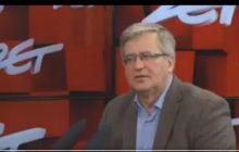 Komorowski ma satysfakcję z ataków na polityków PiS.