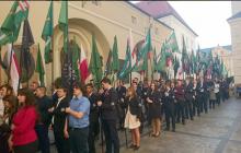Młodzież Wszechpolska wspiera protestujących lekarzy.