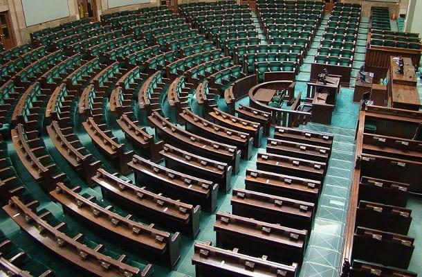 Nie będzie już pustych ław w Sejmie? Szykują się rewolucyjne zmiany w funkcjonowaniu parlamentu