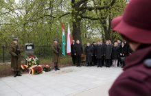 Warszawa: Odsłonięto tablicę upamiętniającą gest solidarności Polaków z Węgrami w 1986 r.