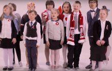 Doskonałe połączenie pro-life i patriotyzmu. Dzieci z zespołem Downa śpiewają polski hymn