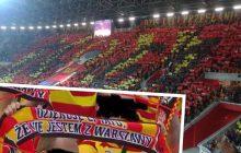 W takie szaliki przyodziani byli kibice Jagiellonii Białystok podczas meczu z Legią.