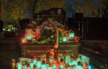 Ujawniono wstrząsające informacje. W trumnie generała, który zginął w Smoleńsku znaleziono szczątki siedmiu innych ofiar katastrofy