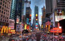 Tragedia w Nowym Jorku. Jedna osoba nie żyje po tym, jak samochód wjechał w tłum
