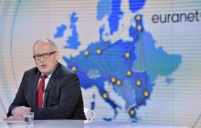 Timmermans łagodzi ton wobec Polski?