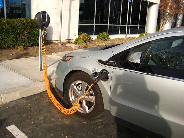 Chińczycy masowo kupują auta elektryczne