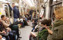 Zdjęcie z polskiego metra robi furorę wśród zachodnich internautów!