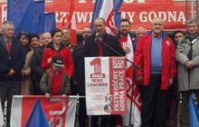 Płaca minimalna na poziomie 1 tys. euro i 40% podatek dla najbogatszych. Szef SLD przedstawia pomysły na poprawę sytuacji polskich pracowników