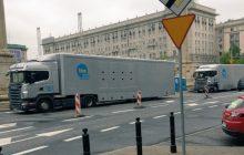 TVN organizuje marsz PO? Kontrowersyjne zdjęcia i tłumaczenia stacji