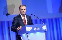 Donald Tusk naciśnie ws. imigrantów na KE i pomoże Polsce? Ciekawe doniesienia RMF FM i odpowiedź PiS