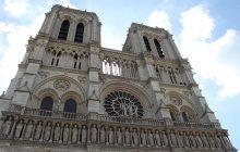 Kilkaset osób uwięzionych w katedrze Notre Dame. Policjant zaatakowany młotkiem, napastnik postrzelony! [WIDEO]