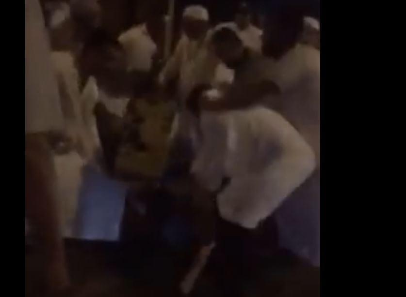 Kolejne nagranie z miejsca ataku na muzułmanów w Londynie. Widać ofiary i ujęcie kierowcy. Niewiele zabrakło, by doszło do samosądu [WIDEO+18]