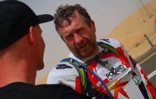 Rafał Sonik miał wypadek na rajdzie i trafił do szpitala. Ukończył etap dzięki wspaniałej postawie kolegi!