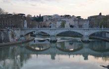 Rzymianie nie radzą sobie z drastycznym wzrostem liczby uchodźców.