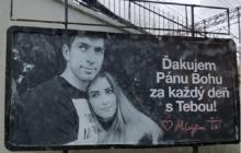 Romantyczna niespodzianka bramkarza polskiego klubu. Wynajął dla żony billboard w centrum miasta