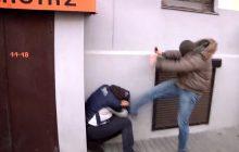 """Wpadka posła PO: krytykował Policję i oczekiwał reakcji MSW na film z Marszu Niepodległości z 2011 roku. """"Są jakieś zawody w samozaoraniu?"""" [WIDEO]"""