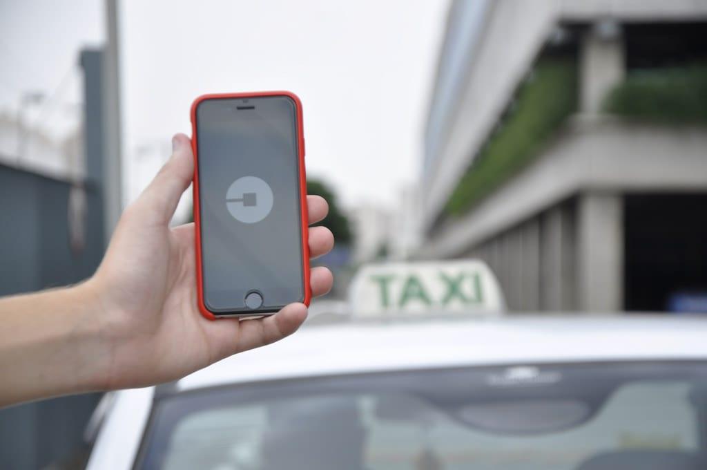 Rząd wesprze taksówkarzy w walce z Uberem? Opublikowano zapowiadany projekt ustawy
