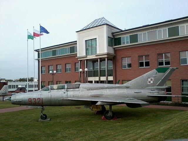 Studenci PWSZ w Chełmie znajdą pracę w liniach lotniczych Enter Air