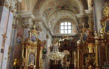 Mężczyzna wtargnął do warszawskiego kościoła i... zaczął protestować przeciwko reformie sądownictwa [FOTO]