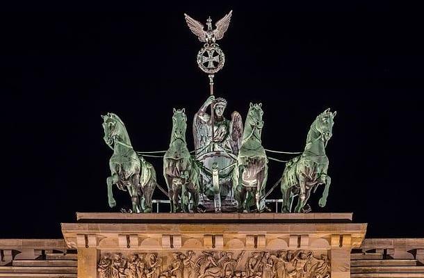 Berlin: Napadli i pobili mężczyznę bo... miał łańcuszek z krzyżykiem