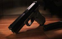 Broń ojca uratowała życie 17-latce? Taka sytuacja w Polsce byłaby nie do pomyślenia!