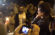 Kolejne nagranie spod Sejmu. Protestujący nie dali dziennikarce TVP przeprowadzić relacji. Kobieta musiała ją przerwać [WIDEO]