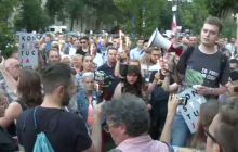 Zwolennicy PiS chcą, by politycy opozycji poczuli to, co Jarosław Kaczyński. Na pierwszy ogień ma pójść Grzegorz Schetyna.