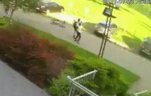 Brutalny atak rowerzysty na przechodzącą kobietę i staruszka! Poznańska policja prosi o pomoc w ustaleniu jego tożsamości i publikuje nagranie [WIDEO]