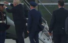 Tak zachowuje się ludzki prezydent. Amerykański żołnierz traci czapkę, a Donald Trump... schyla się po nią i nakłada mu na głowę. Nagranie hitem sieci [WIDEO]