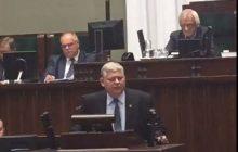 Czy to naprawdę Sejm RP? Kolejne bulwersujące nagranie. Poseł PiS broni słów Jarosława Kaczyńskiego, a politycy PO próbują go zakrzyczeć [WIDEO]