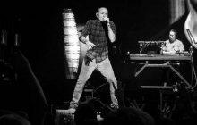 Wokalista Linkin Park popełnił samobójstwo z powodu ciężkiej depresji? W młodości przeżył ogromną traumę